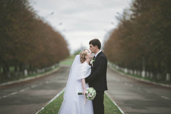 Choosing Backgrounds for Wedding Photography