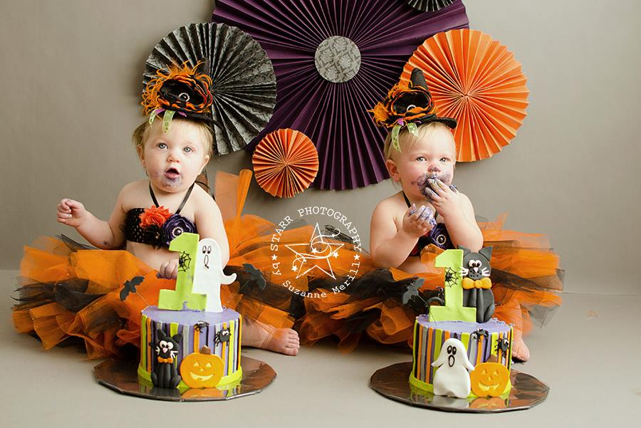 Cake Smashing On Seamless Paper: Perfect For Adorable Poses
