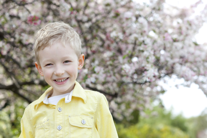 How to Capture Beautiful Children's Spring Portraits