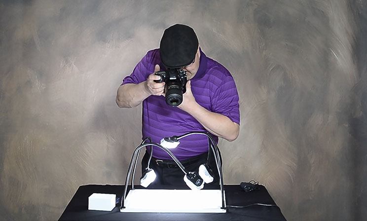 Home Based Photography Guru, David Hakamaki, Reviews the New Savage Product Pro LED Light Table