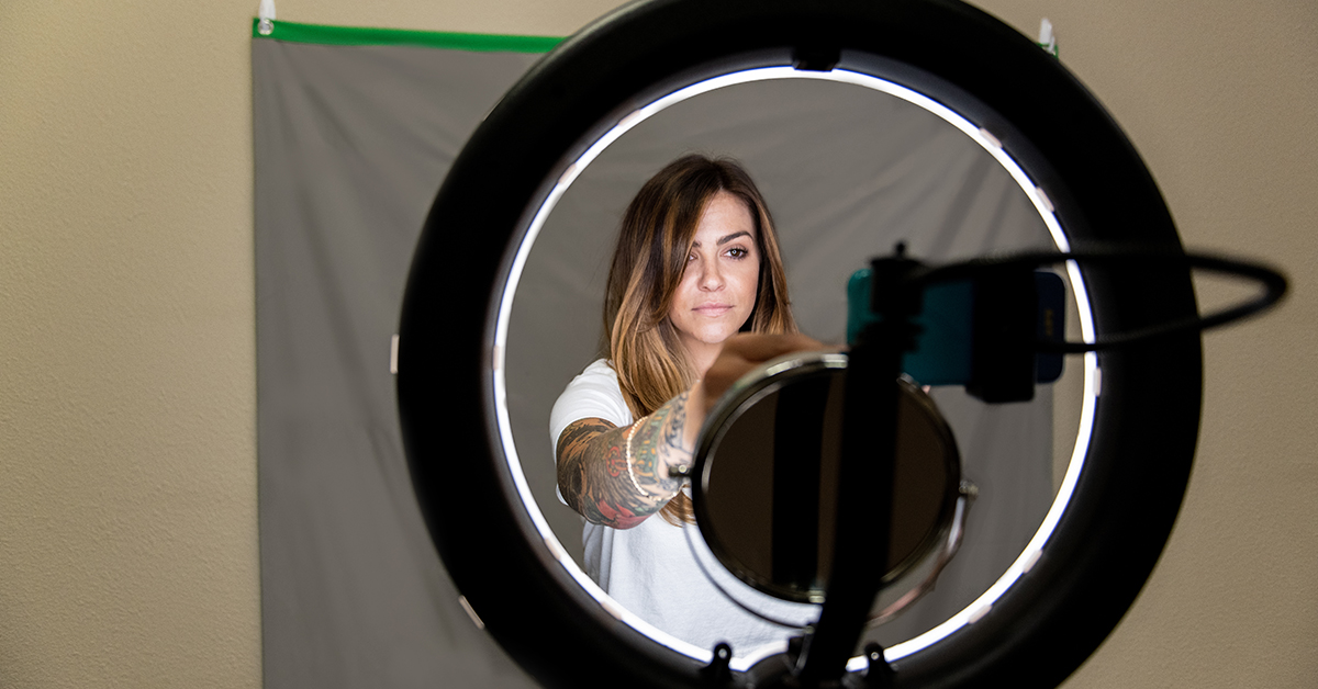 Step Up Your Salon Social Media Photos with the Ringlight Beauty Video Kit